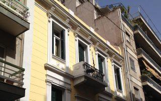 Μαυρομιχάλη 99. Το σπίτι του συγγραφέα Κων. Χατζόπουλου.
