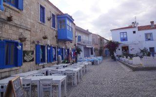 Φθινοπωρινή όψη του ταχύτατα αναπτυσσόμενου προορισμού χωρίς τους τουρίστες που το επισκέπτονται κατά τη διάρκεια του καλοκαιριού.