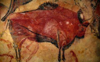 Η ζωγραφική απεικόνιση στο σπήλαιο της Αλταμίρα, στην Ισπανία, χρονολογείται πριν από 35.600 χρόνια.