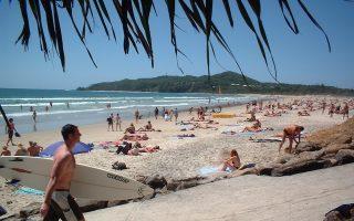 Οι παραλίες του Μπαϊρον Μπέι στην ανατολική Αυστραλία είναι πολυσύχναστες.
