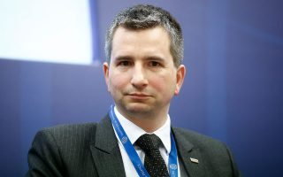 «Η Ευρώπη αυτοστραγγαλίζεται χωρίς λόγο»,  δήλωσε ο υπουργός Οικονομικών της Πολωνίας Ματέους Στούρεκ