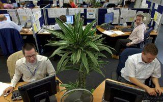 Οι Ελληνες εργάζονται περισσότερο και από τους Γερμανούς. Μόνο οι Γάλλοι και οι Δανοί εργάζονται λιγότερο από τους Γερμανούς.