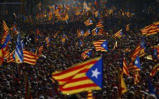 Ενώ η εθνική κυβέρνηση της Ισπανίας έχει υποσχεθεί να εμποδίσει την παράνομη διεξαγωγή των εκλογών του Νοεμβρίου για την ανεξαρτησία, ο πρόεδρος της Καταλονίας Artur Mas έχει υποσχεθεί να πιέσει την προώθηση του σχεδίου.