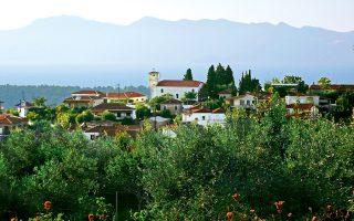 Τo χωριό Αγριοβότανο, είναι από τα βορειότερα σημεία, πριν οι ακτές της Εύβοιας ανοιχτούν για τα καλά στο Αιγαίο. (Φωτογραφία: Βασιλική Κεράστα)