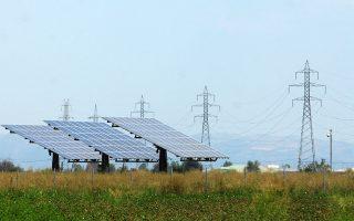 Το μόνο πραγματικά φωτεινό σημείο είναι τα φωτοβολταϊκά, των οποίων το κόστος έχει μειωθεί πολύ τις τελευταίες δεκαετίες.
