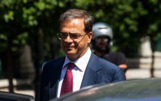 Ο υπουργός Οικονομικών Γκίκας Χαρδούβελης εξέρχεται απο το Μέγαρο Μαξίμου μετά απο συνάντηση με τον πρωθυπουργό Αντώνη Σαμαρά και τον αντιπρόεδρο της κυβέρνησης και πρόεδρο του ΠΑΣΟΚ Ευάγγελο Βενιζέλο. Αθήνα, Τρίτη 26 Αυγούστου 2014. ΑΠΕ-ΜΠΕ/ΑΠΕ-ΜΠΕ/Φώτης Πλέγας Γ.