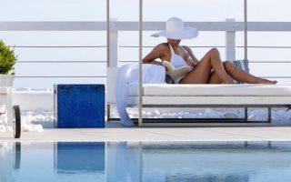 H ξενοδοχειακή δραστηριότητα του ομίλου Libra είναι περισσότερο γνωστή στη χώρα μας από την ανάπτυξη της αλυσίδας Grace Hotels η οποία πέραν της ελληνικής έχει και διεθνή παρουσία.