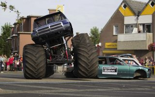 epa04422020 A monster truck in action during a demonstration in Haaksbergen, The Netherlands, 28 September 2014. During the show the truck drove into the audience. Three persons were killed and dozens got injured in the accident.  EPA/GINOPRESS