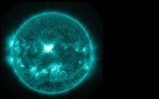 Η ηλιακή κηλίδα AR2158.