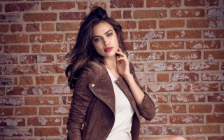 Irina Shayk and Juan Betancourt in new XTI shoes campaign