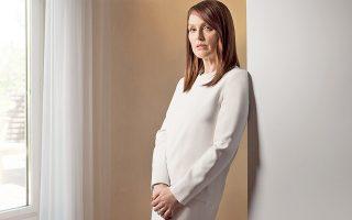 Η Τζουλιάν Μουρ πρωταγωνιστεί στη νέα, πολυσυζητημένη ταινία «Maps to the stars».