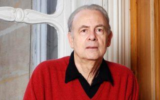 Ο Γάλλος συγγραφέας Πατρίκ Μοντιανό (γενν. 1945) είναι ο φετινός νικητής του Βραβείου Νομπέλ Λογοτεχνίας, που συνοδεύεται από χρηματικό έπαθλο 877.000 ευρώ.