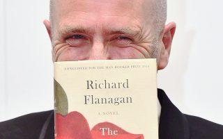 Ο Ρίτσαρντ Φλάναγκαν «κρύβεται» πίσω από το βραβευμένο με Μπούκερ μυθιστόρημά του. Εμπνευσμένο εν μέρει από τις άγριες εμπειρίες του πατέρα του στα χέρια των Ιαπώνων κατά τον Β΄ Παγκόσμιο Πόλεμο.