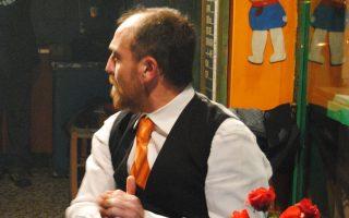 Ο Στάθης Κόκκορης παίζει στην παράσταση του Ορέστη Τάτση.