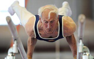 Η δύναμη της θέλησης, μαζί με την άριστη φυσική κατάσταση, βρίσκονται πίσω από την ικανότητα του 75χρονου Αλφόνς Κλάιν να συνεχίζει την ενόργανη.