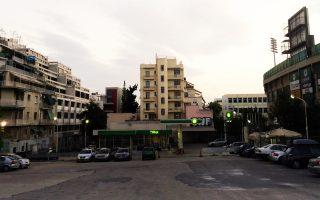Στη λεωφόρο Αλεξάνδρας, ένας μεγάλος χώρος, κομμάτι των παλιών Κουντουριώτικων, κοντά στο γήπεδο του Παναθηναϊκού, διακόπτει τον ιστό.