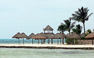 Σε μαγικά νησιά, από αυτά που εξαφανίζουν τραπεζικούς λογαριασμούς, ψάχνουν οι ελεγκτές του ΣΔΟΕ τα χρήματα των υπεράκτιων εταιρειών.