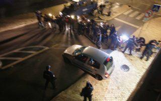 Η σύλληψη του σοσιαλιστή πρώην πρωθυπουργού Ζοζέ Σόκρατες στο αεροδρόμιο της Λισσαβώνας, παρουσία φωτογράφων και τηλεοπτικών καμερών, συγκλόνισε την Πορτογαλία.