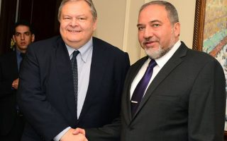 O υπουργός Εξωτερικών, κ. Ευάγγελος Βενιζέλος, με τον Ισραηλινό ομόλογό του, κ. Αβίγκντορ Λίμπερμαν.