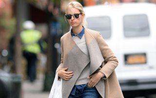 INF - Karolina Kurkova goes shopping at Duane Reade pharmacy