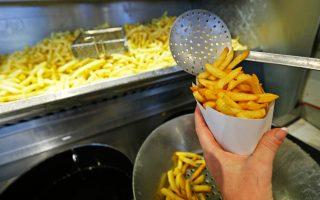 Και οι τουρίστες λατρεύουν τις βελγικές τηγανητές πατάτες.