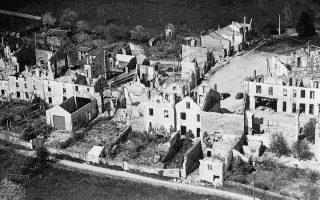 Φωτογραφία από τις καταστροφές στο Οραντούρ σιρ Γκλεν.