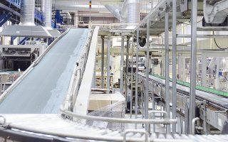 Μέσα στο πρώτο τρίμηνο του 2015 αναμένεται να ξεκινήσει και η γραμμή παραγωγής στην Ελλάδα, καθώς τον Φεβρουάριο ολοκληρώνεται το εργοστάσιο Sirecled Hellas σε μια έκταση 3.000 τ.μ. στο Κρυονέρι Αττικής.