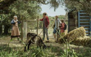 Στην ελληνοφινλανδική κινηματογραφική συμπαραγωγή «Περιπέτεια στο Αιγαίο», που βγαίνει στις αίθουσες την ερχόμενη Πέμπτη, τρία νεαρά αδέλφια από τη Φινλανδία μπλέκονται σε μία υπόθεση απαγωγής με φόντο τα ομορφότερα τοπία της Κω.
