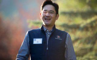 Ο 46χρονος Λι Τζάε Γιονγκ (φωτ.) διατελούσε αντιπρόεδρος της Samsung Εlectronics και ανέλαβε τα ηνία του ομίλου μετά την καρδιακή προσβολή που υπέστη ο πατέρας του, Λι Κουν Χι, ο οποίος νοσηλεύεται.