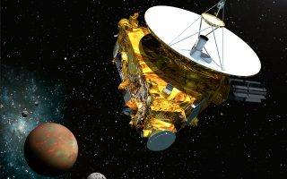 Τα πρώτα σήματα του διαστημοπλοίου, τα οποία επιβεβαίωσαν πως η διαδικασία «αφύπνισης» ολοκληρώθηκε, χρειάσθηκαν 4 ώρες και 26 λεπτά για να φτάσουν στη Γη, παρόλο που μεταδίδονταν στο Διάστημα με την ταχύτητα του φωτός.