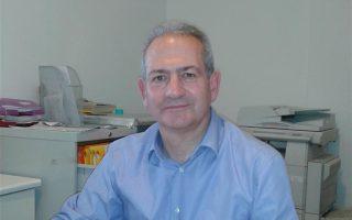 Τον «χορό» των παραιτήσεων άνοιξαν τη Δευτέρα ο πρόεδρος του ΕΚΑΒ Δημήτρης Παπαγιαννίδης.