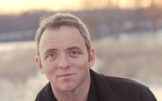 Ντένις Λεχέιν. Πέρα από τα μυθιστορήματά του, συνεργάστηκε με το ΗΒΟ στις σειρές «The Wire» και «Boardwalk Empire».