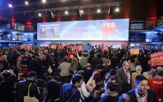Οι επιλογές που θα κάνει ο κ. Τσίπρας, αν αναδειχθεί πρωθυπουργός, ενδιαφέρουν κυρίως δύο σημαντικούς παίκτες στα ευρωπαϊκά πράγματα: τη Γερμανία και τους Ευρωπαίους Σοσιαλδημοκράτες (η φωτογραφία από το περσινό συνέδριο του PES).