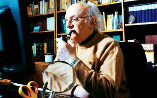 Ο συγγραφέας Πέτρος Μάρκαρης υπέβαλε την παραίτησή του από την προεδρία του Ελληνικού Κέντρου Κινηματογράφου.
