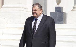 Ανοιγμα σε πρώην στελέχη, όπως  ο Γ. Φλωρίδης,  ώστε να αντισταθμιστούν οι απώλειες από το Κίνημα  Παπανδρέου επιδιώκει ο κ. Βενιζέλος.