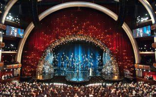 Tο «Kοχύλι» του Dolby Theater είχε φέτος «μαργαριτάρι» τη δήλωση των νικητών Oσκαρ «ναι» στην οικογένεια, «όχι στις φυλετικές διακρίσεις», «ναι» στη διαφορετικότητα, «ναι» στα ίσα δικαιώματα. Kαι έπεται συνέχεια...