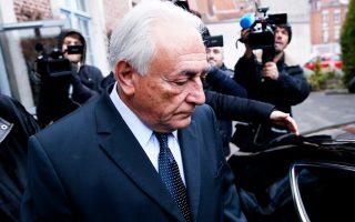 Ο πρώην επικεφαλής του Διεθνούς Νομισματικού Ταμείου, Ντομινίκ Στρος-Καν, αναχωρεί από το ξενοδοχείο όπου διαμένει, με προορισμό το δικαστήριο της Λιλ.
