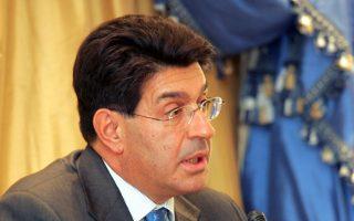 Το αυξημένο ρίσκο της Ελλάδας στερεί από τις επιχειρήσεις επενδυτικά κεφάλαια, τόνισε ο πρόεδρος του ΣΕΒ Θ. Φέσσας.