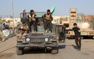 Νέοι Ιρακινοί εθελοντές ετοιμάζονται για τη μάχη του Τικρίτ, εναντίον των οχυρωμένων μαχητών του Ισλαμικού Κράτους.