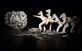 To Bread & Puppet Theater παρουσίασε την παράσταση «Α thing Done in a Seeing Place».