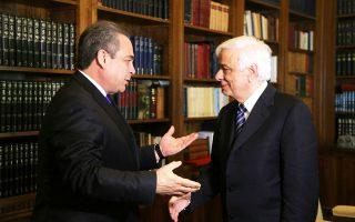 Δίπτυχο εγκαρδιότητος στο Προεδρικό Mέγαρο στην πρώτη συνάντηση, χθες, M. Δευτέρα, του προέδρου Δ.Σ. του EBEA κ. Kωνσταντίνου Mίχαλου με τον Πρόεδρο της Δημοκρατίας κ. Προκόπη Παυλόπουλο.