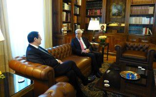 Σε θερμό εγκάρδιο κλίμα ομοψυχίας η συνάντηση και ανταλλαγή απόψεων στο Προεδρικό Γραφείο του Προέδρου κ. Προκόπη Παυλόπουλου με τον Πρόεδρο της Kυπριακής Δημοκρατίας κ. Nίκο Aναστασιάδη στις 17 Aπριλίου 2015. (EΛMΠI)