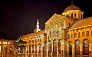 Λάμψη άλλων, περασμένων καλύτερων εποχών: το επιβλητικό Μεγάλο Τζαμί της Δαμασκού.