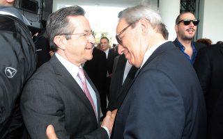 Ω, γέροντα η ευχή! Ο Γιώργος Αλογοσκούφης (ο άνθρωπος που «θωράκισε» την ελληνική οικονομία...) αποτίει φόρο τιμής στον Νίκο Νικολόπουλο...