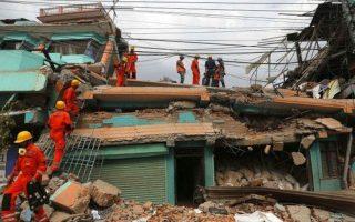 oi-rizes-tis-tragodias-sto-nepal-echoyn-istoria-25-ekat-eton0