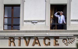 Ο Τζον Κέρι σε μια στιγμή ανάπαυλας των εντατικών διαπραγματεύσεων, που συνεχίστηκαν για έβδομη ημέρα χθες, στη Λωζάννη.