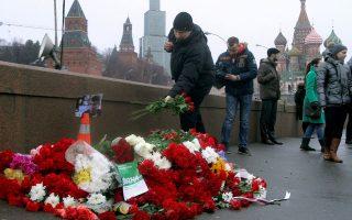Υπάρχουν ενδείξεις ότι η μοίρα του Μπόρις Νεμτσόφ (το σημείο μπροστά από το Κρεμλίνο όπου έπεσε νεκρός) μπορεί να «σφραγίστηκε» από τη μάχη που έχει ξεσπάσει εδώ και καιρό στην κορυφή της πυραμίδας της ρωσικής εξουσίας.
