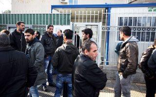 Μαζικά συρρέουν οι μετανάστες στην Υπηρεσία Ασύλου, προκειμένου να αιτηθούν πολιτικό άσυλο. Πάνω από 80% των νεοεισερχομένων έχουν προσφυγικό προφίλ (Σύροι σε ποσοστό 60%, Αφγανοί, Σομαλοί, υπήκοοι Ερυθραίας).
