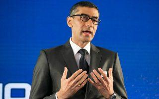 Ο Ρατζίβ Σούρι είναι και ο άνθρωπος, ο οποίος σταδιακά διαμόρφωσε τη σημερινή Nokia, όσον αφορά τις δραστηριότητές της στα δίκτυα και τον εξοπλισμό. To 2006 και χωρίς ιδιαίτερο θόρυβο, ο κ. Σούρι επόπτευσε τη συγκρότηση της κοινοπραξίας της Nokia με τον βραχίονα δικτύων της γερμανικής Siemens, η οποία είχε την επωνυμία Nokia Siemens Networks.