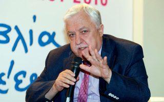 """«Η χώρα θα χρεοκοπήσει και θα σαπίσει """"εν ευρώ""""» είπε ο Αλ. Παπαδόπουλος."""